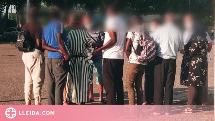 """Fruita amb Justícia Social denuncia la """"reclusió"""" de temporers per salaris sota conveni"""