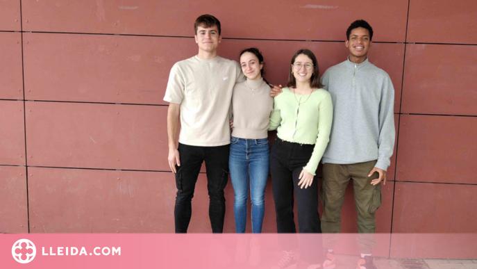 Un equip d'un centre docent de Lleida, capitanejat per una professora, guanya la Lliga de debat