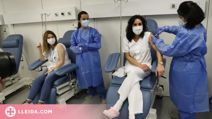Primeres vacunes de Moderna per a personal sanitari de Lleida