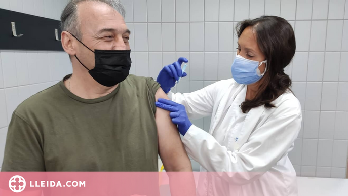 Salut habilita un registre perquè les persones sense targeta sanitària s'identifiquin per vacunar-se