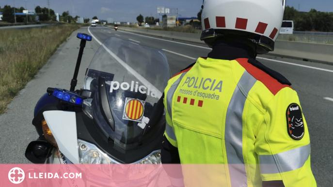 Condueix sense carnet i begut, provoca un accident, fuig i l'enxampen al Pla d'Urgell