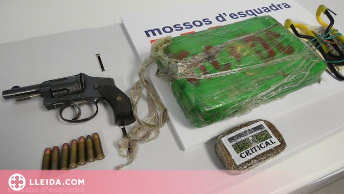 Detenen una parella al Pirineu per traficar amb drogues i tinença d'armes