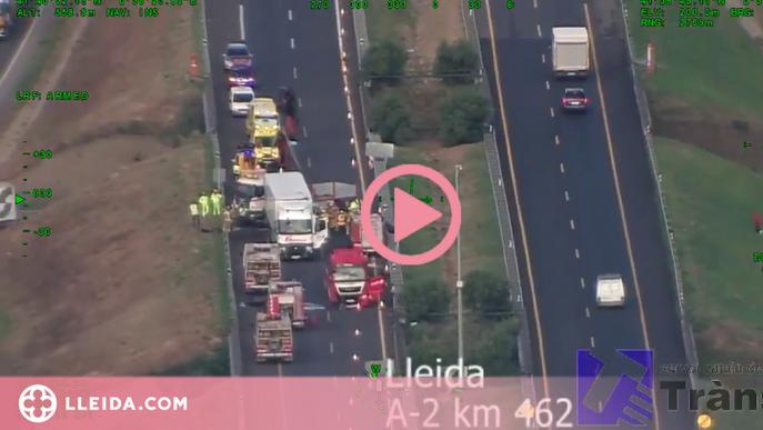 ⏯️ Un accident entre dos camions i un turisme talla l'A-2 a Lleida