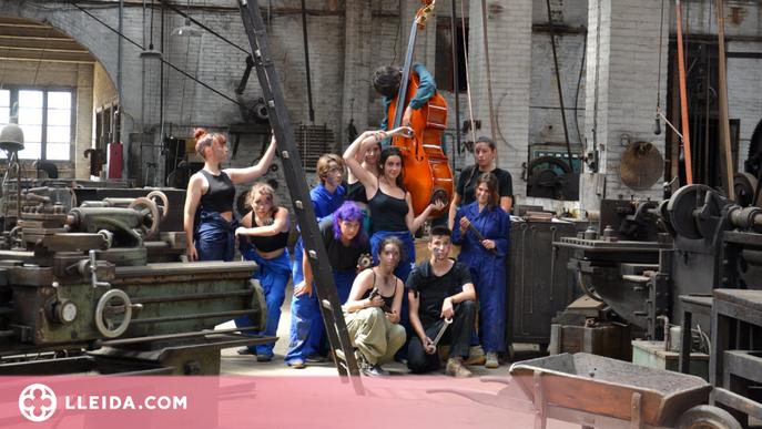 Estudiants de Tàrrega reivindiquen el paper de la dona en la societat industrial