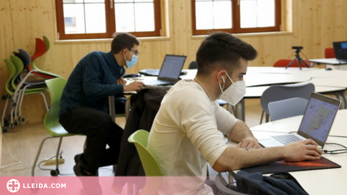 Educació crea més de 4.200 noves places d'FP de grau mitjà