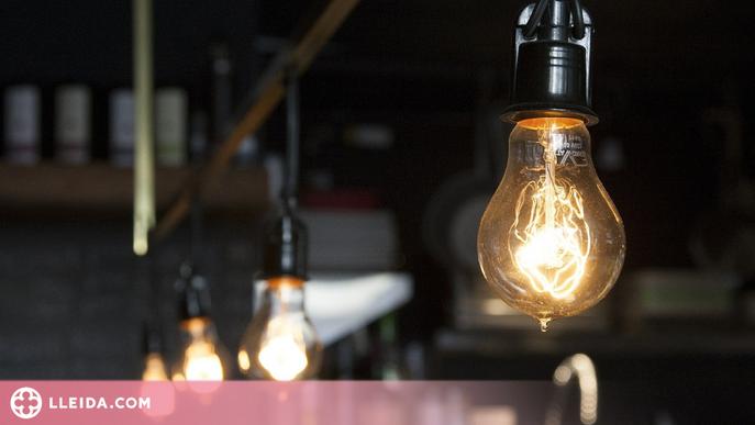 El preu de la llum es torna a enlairar fins als 141,71 euros MWh