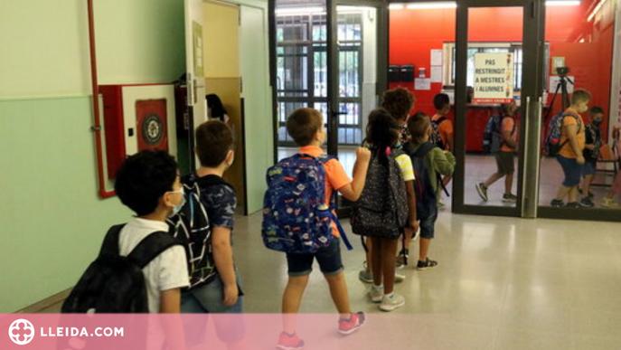 """La CGT veu """"perillós"""" que les escoles puguin accedir a dades de vacunació d'alumnat i professorat"""