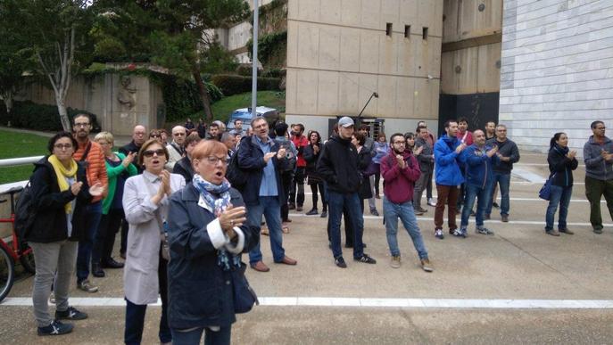 Concentració als jutjats en solidaritat amb un imputat per homenatjar un independentista