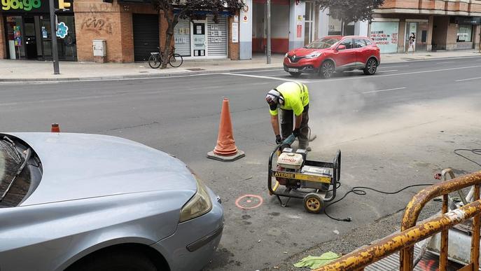 Comença l'habilitació d'un nou pas de vianants amb semàfors al barri del Clot de Lleida