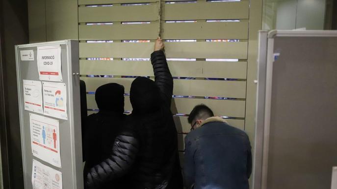 Estudiants tancats a la UdL amb Pablo Hasél