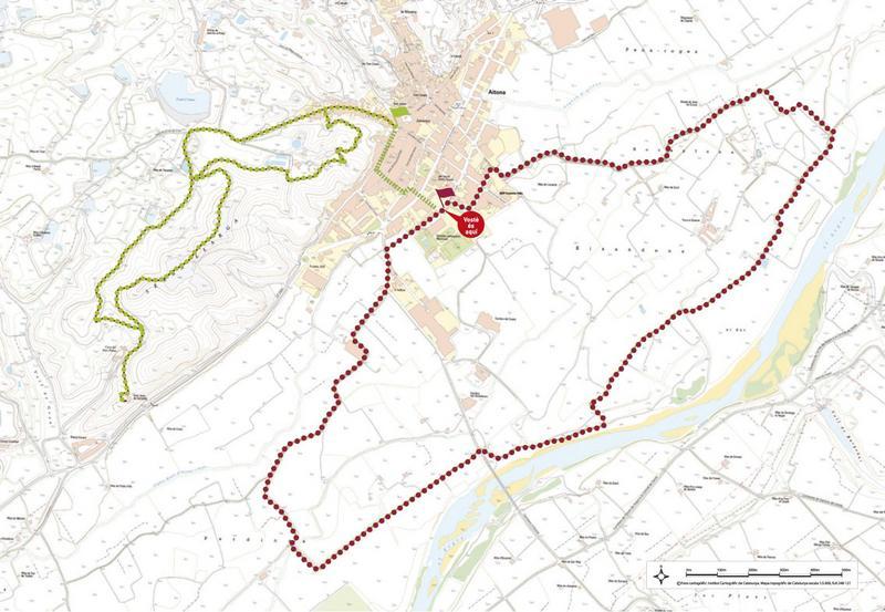 La Caminada Popular d'Aitona, també és un clàssic ja amb nou edicions, organitzada per l'ajuntament del municipi, el Centre d'Iniciatives Solidàries Àngel Olaran i les associacions del poble. En aquesta es pot escollir entre tres rutes diferents, la curta