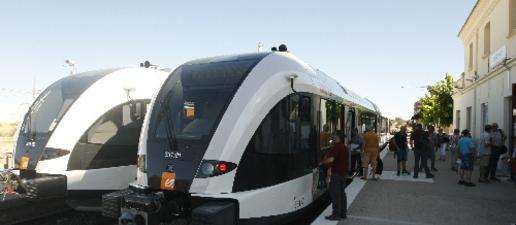 Denuncien confusió d'horaris amb els nous trens de la Pobla