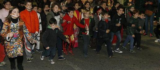 Els escolars es fan seu el Carnaval