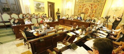 Àngel Ros agraeix el suport de Cs i PP i critica els sobiranistes, que censuren el govern