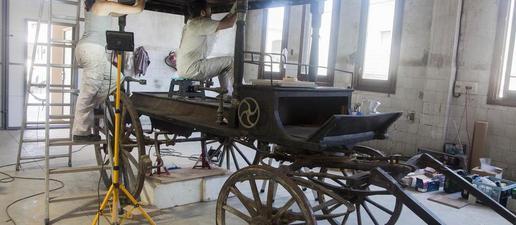 Linyola recupera un antic carro funerari i preveu exposar-lo