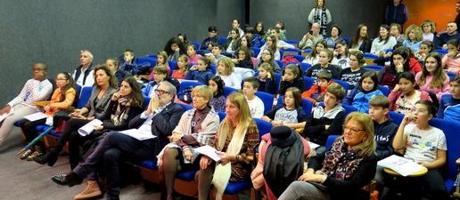 Sostenibilitat i pobresa al plenari de la infantesa