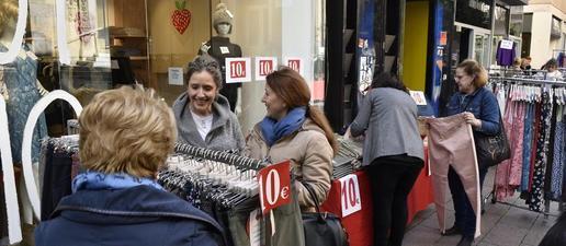 L'Eix liquida els estocs després d'unes rebaixes amb un 2% més de vendes