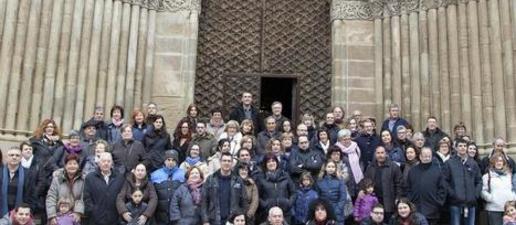 Un centenar de veïns de l'Urgell visiten el patrimoni d'Agramunt