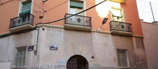 L'Escola Cervantes aconssegueix aturar el seu tancament i mantindrà l'oferta de P3 de cara al curs 2020-2021