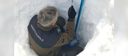 Els Rurals analitzen l'estabilitat de la neu per predir allaus
