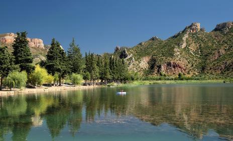 El pantà de Sant Llorenç de Montgai, on paisatge i barques se citen un cop l'any