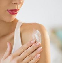 Què és i per què es produeix l'al·lèrgia al sol?