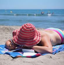 Què és indispensable per protegir-me del sol?