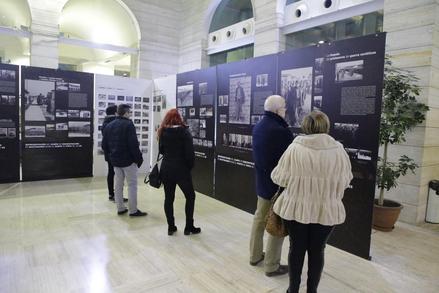 L'exposició compta amb més de 500 fotografies i podrà visitar-se fins al 28 de febrer. / Magdalena Altisent
