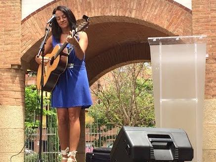 Montse Castellà 'Vaig nàixer aqui', cançó homenatge a la Maternitat d'Elna