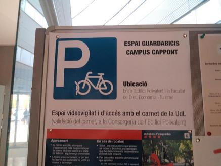 Denuncien el robatori de desenes de bicis a Agrònoms