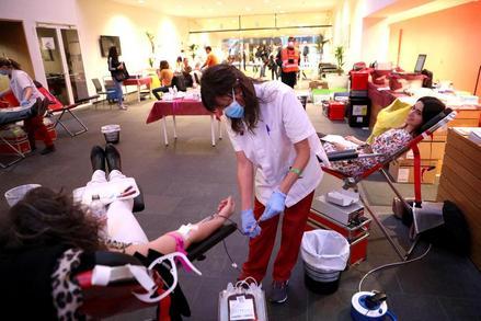 La Llotja s'omple de donants de sang