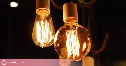 El preu de la llum baixarà més de deu euros en un dia però continuarà en màxims