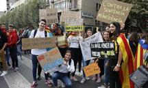 Sis mil persones exigeixen alliberar el jove empresonat