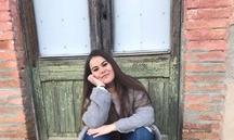 """Yasmina Timoneda: """"Jo penso que tampoc cal llegir llibres, per exemple jo llegeixo cada dia el diari, i això també és llegir"""""""